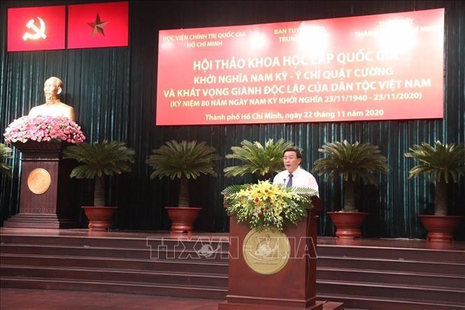 Bí thư Trung ương Đảng, Giám đốc Học viện Chính trị Quốc gia Hồ Chí Minh Nguyễn Xuân Thắng, Chủ tịch Hội đồng lý luận Trung ương phát biểu tại hội thảo.